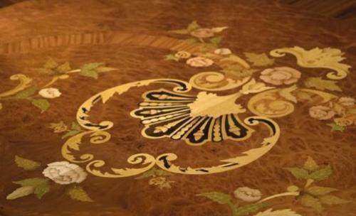 Detalle decoración mesa madera  - Ebanisteria Arenas
