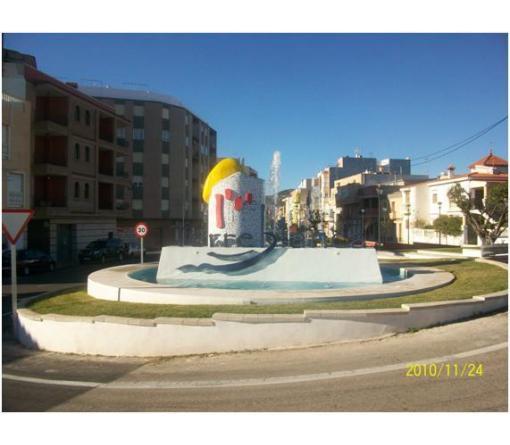 FUENTE DECORATIVA EN ROTONDA DE TORREBLANCA (Castellón)